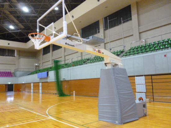 移動式バスケットゴールの写真