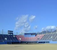 山日YBS球場外観写真